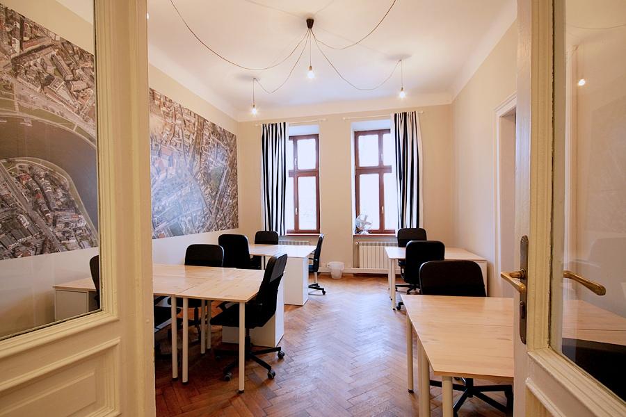biurka do wynajęcia w coworkingu w centrum Krakowa