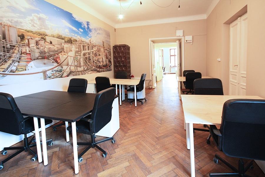 biurka do wynajęcia w coworkingu w Krakowie